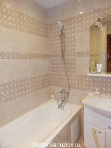 Геометрический орнамент в интерьере ванной