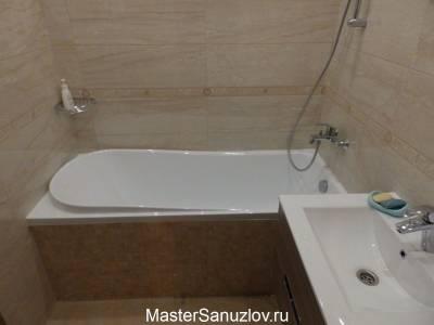 Плитка с текстурой камня в дизайне ванной комнаты