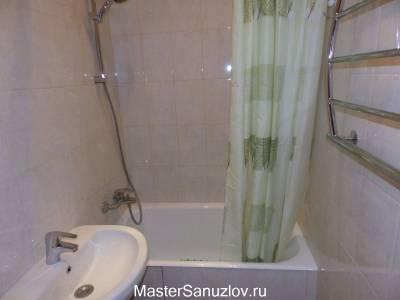 Неброский дизайн ванной