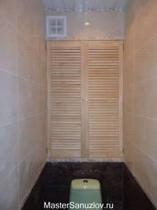 Дверь с рейками сантехническая