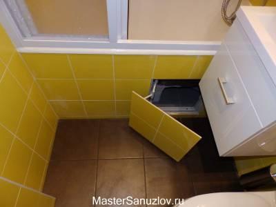 Сантехническая дверца под ванной