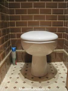 Объемный бордюр для туалетной комнаты