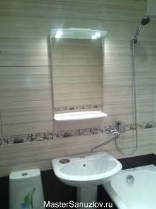 Простое зеркало для ванной